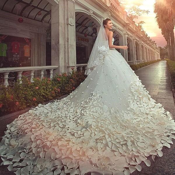 Самое красивое свадебные платье в мире и цена
