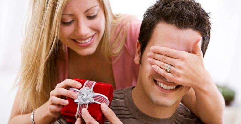 Если мужчина не дарит подарки на день